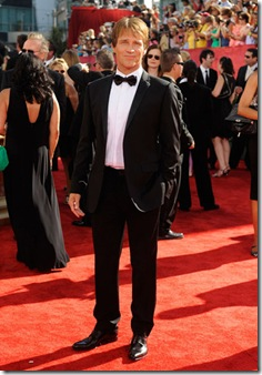 arrives at the 61st Primetime Emmy Awards held at the Nokia Theatre on September 20, 2009 in Los Angeles, California.