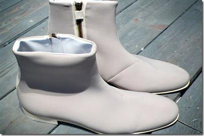viktor-rolf-2009-spring-summer-neoprene-boots-preview